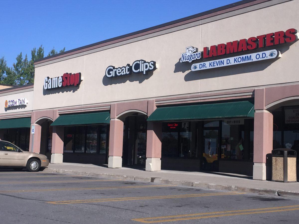 Wegmans Plaza Shops