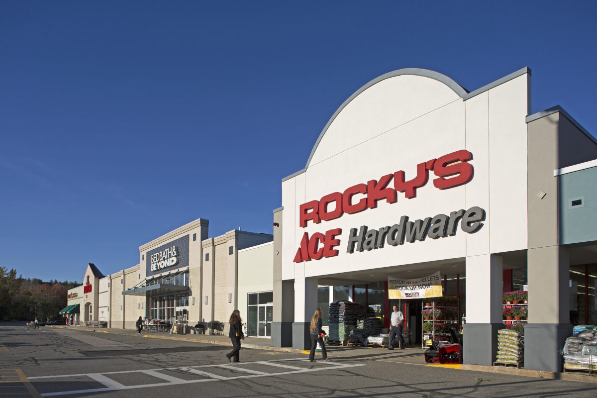 Rocky's ACE Hardware at Dover Crossing
