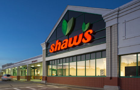 Shaw's Grocery Store at Dover Crossing